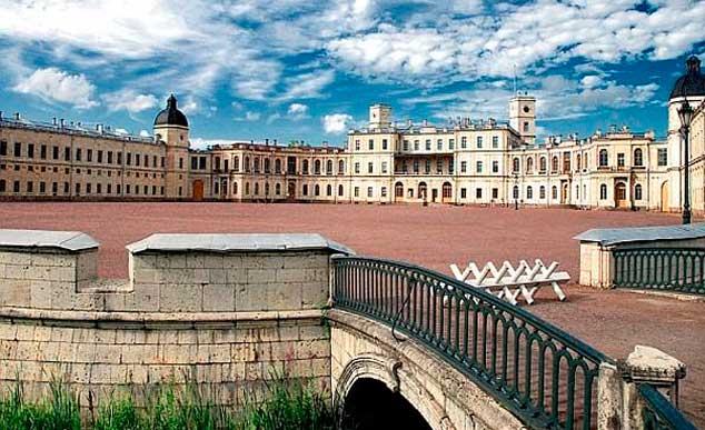 «Призраки и орлы»  Гатчинский дворец.
